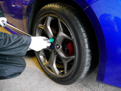 Removing a Ford Focus ST2 wheel