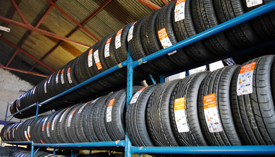 Car Tyres Stocks